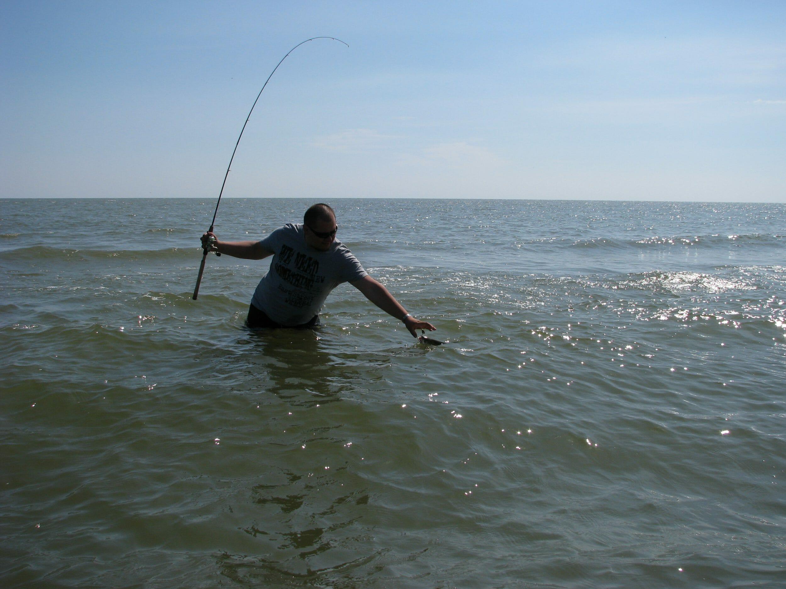 Pescuit la avat: 4 Super Pescari de răpitori si recomandarile lor de năluci pentru avat! 4